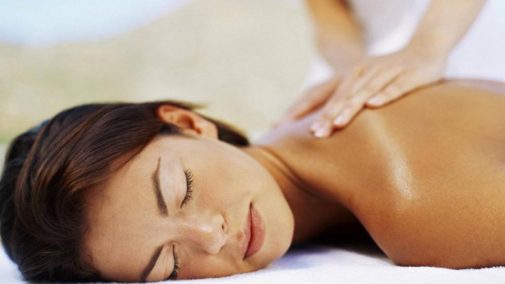 a massage at phetts thaimassage