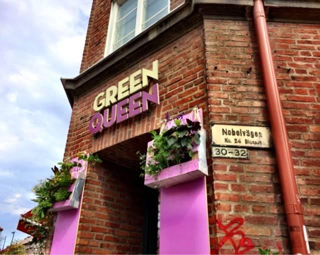 green queen sign