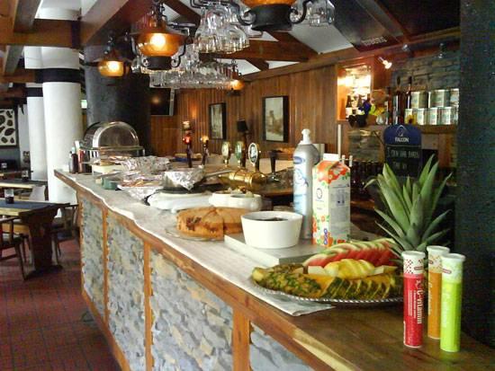 nya tröls bar and restaurant inside