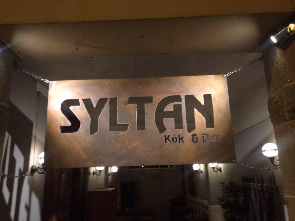 syltan logo text